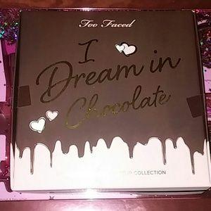 LE too faced i dream in chocolate